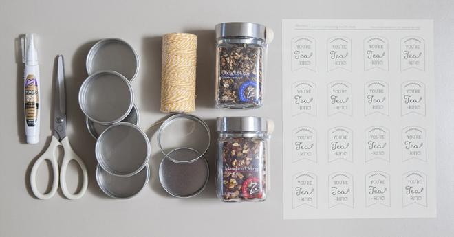 DIY: tea tin bridal shower or wedding favors