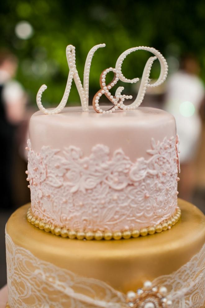 Gorgeous modern and vintage wedding cake