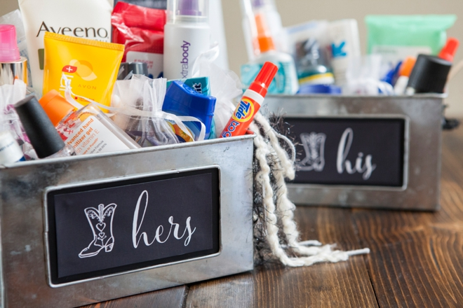 Wedding Bathroom Kit Sign learn how to make your own bathroom emergency kit!