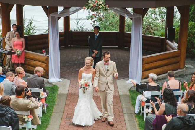 Lovely DIY (pink and mint) wedding at Tigh-Na-Mara Resort