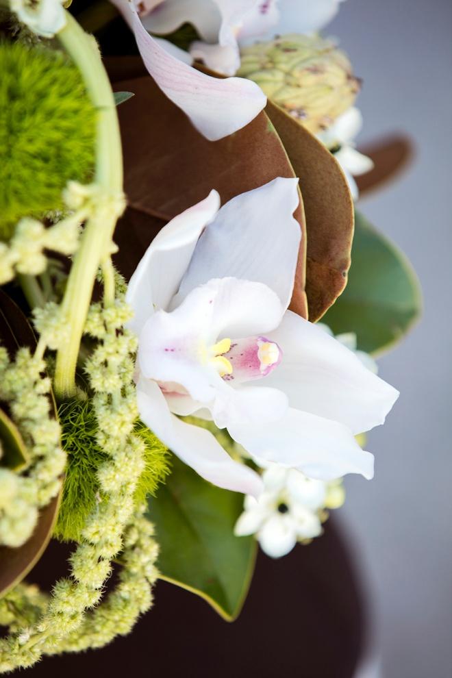 Bouquet-Blueprint-Winter-Sage-Green-Earthy-Black_0007