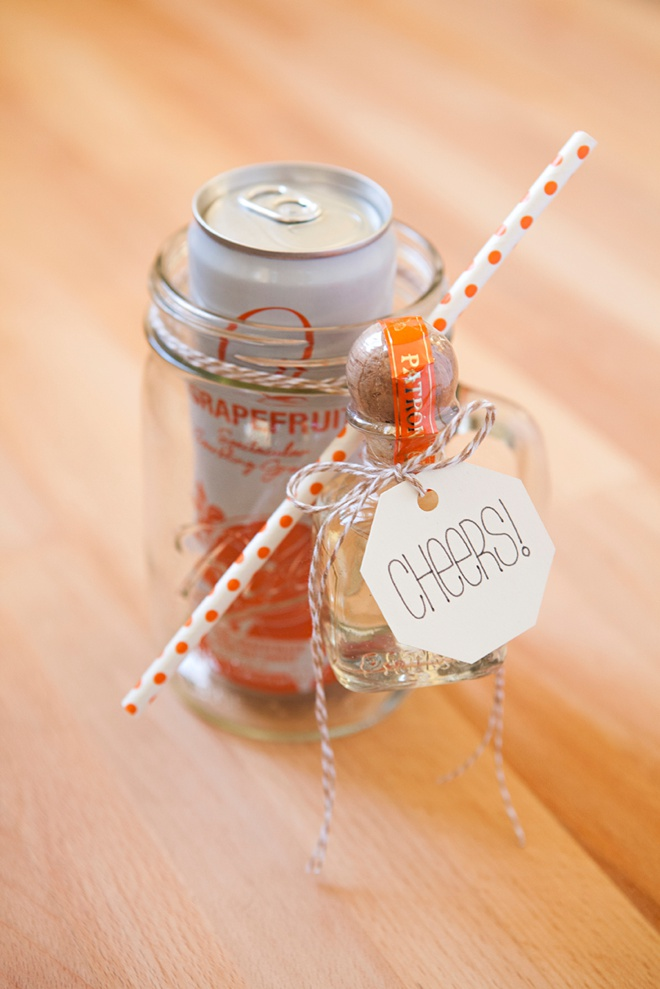 How to make your own mason jar cocktail gifts, Tequila Sunrise!