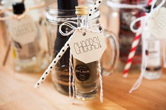 How to make your own mason jar cocktail gifts, best gifts ever!