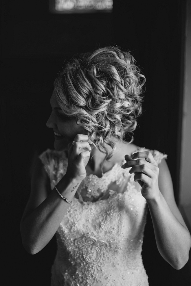 We love this Bride's getting ready photos!