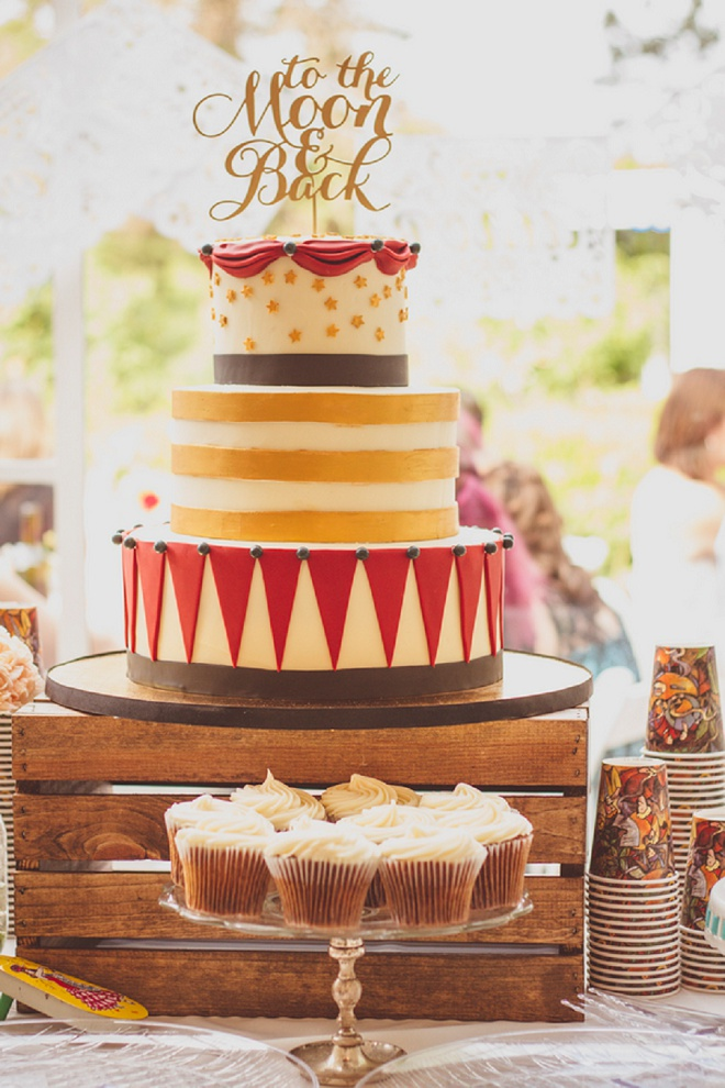 We're loving this fun, vintage carnival style wedding and gorgeous cake!