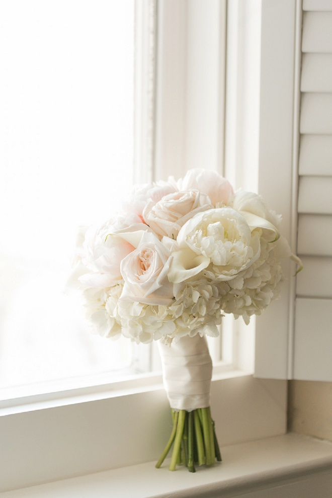 Love this gorgeous classic bouquet!
