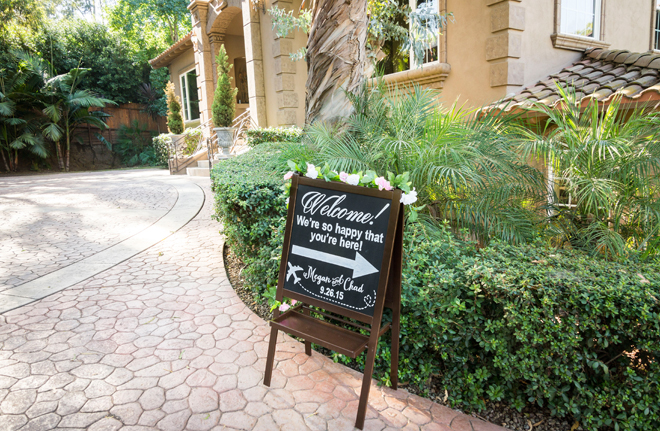 We love this darling wedding signage!