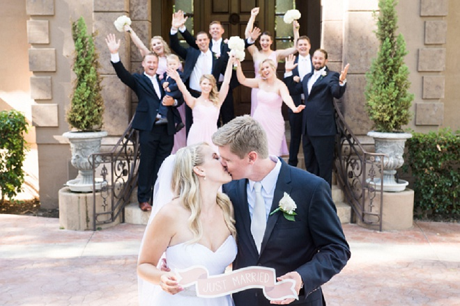 How darling is this wedding shot? Love!