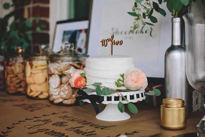 How fabulous is this DIY dessert table