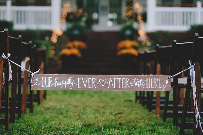 The cutest DIY aisle sign ever, learn how to make it!