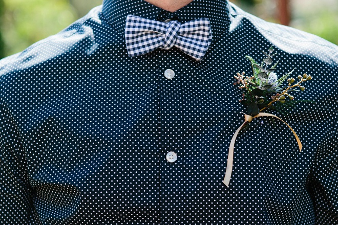 How darling are these Groomsmen's bow tie and boutineer this Bride DIY'd for her wedding!