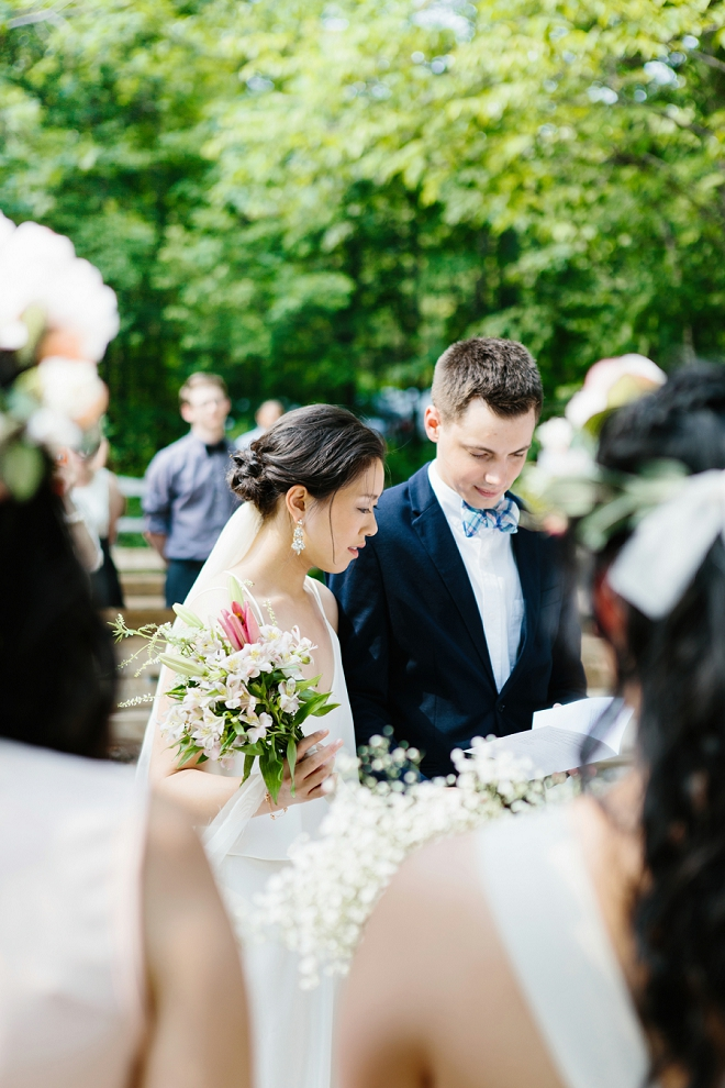 We're swooning over this super sweet ceremony!