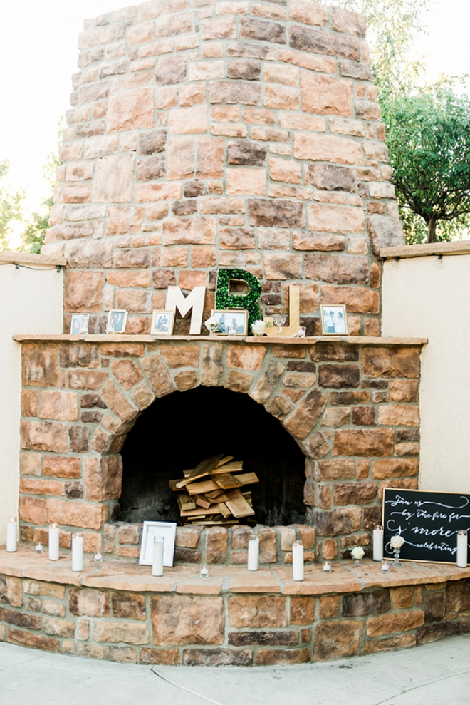 How fun is this smore bar at this dreamy California wedding reception?! Love it!