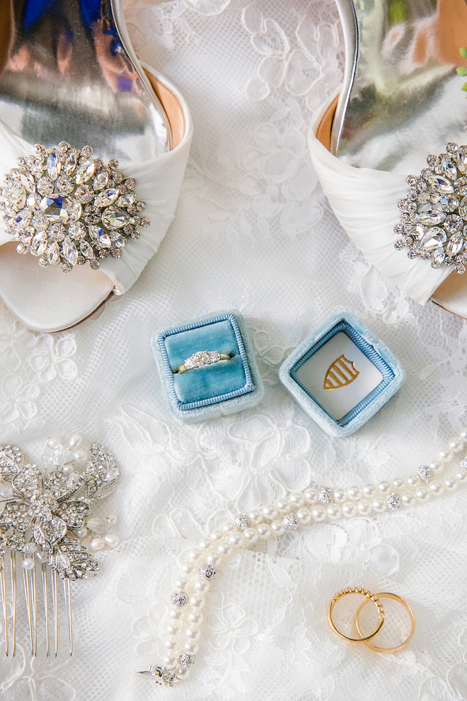 How drop dead gorgeous are these details? We're in LOVE with this Bride's turquoise ring box and more!