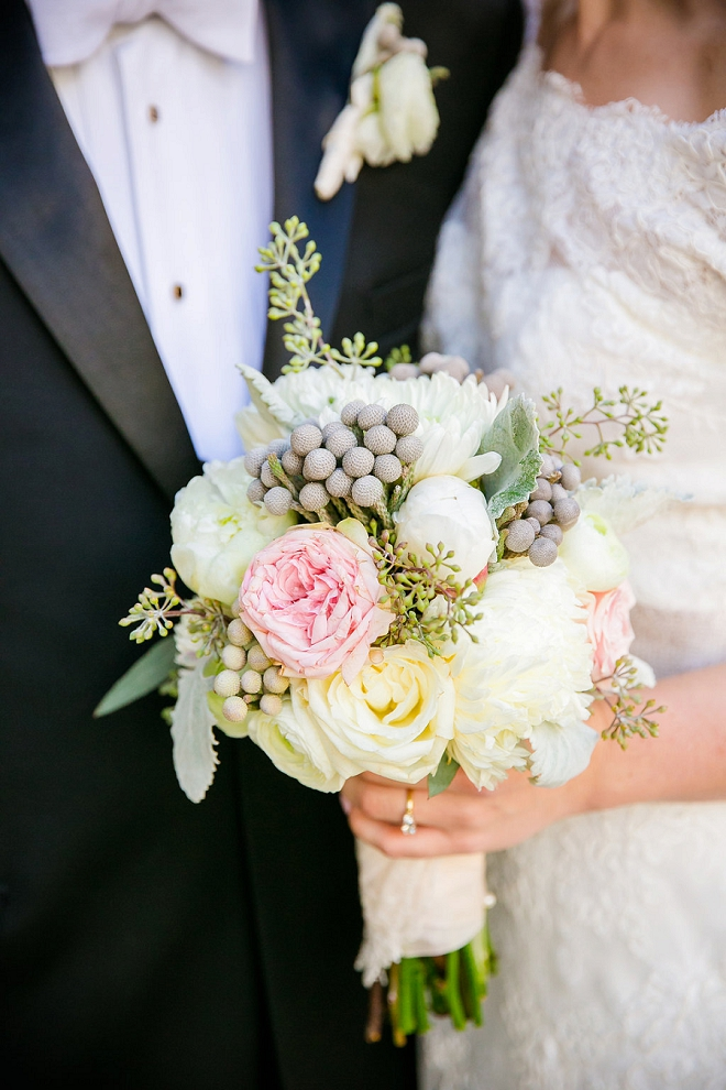 We LOVE this Bride's gorgeous wedding bouquet!