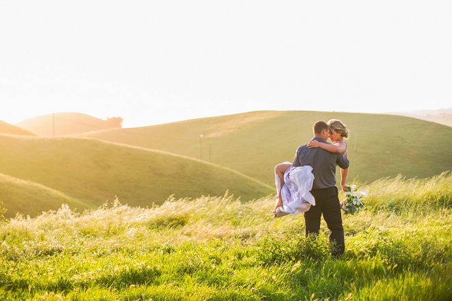 We're swooning over this amazing mountainside engagement session!