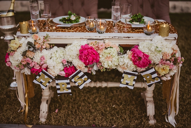 Stunning sweetheart table at this gorgeous Palm Springs wedding!