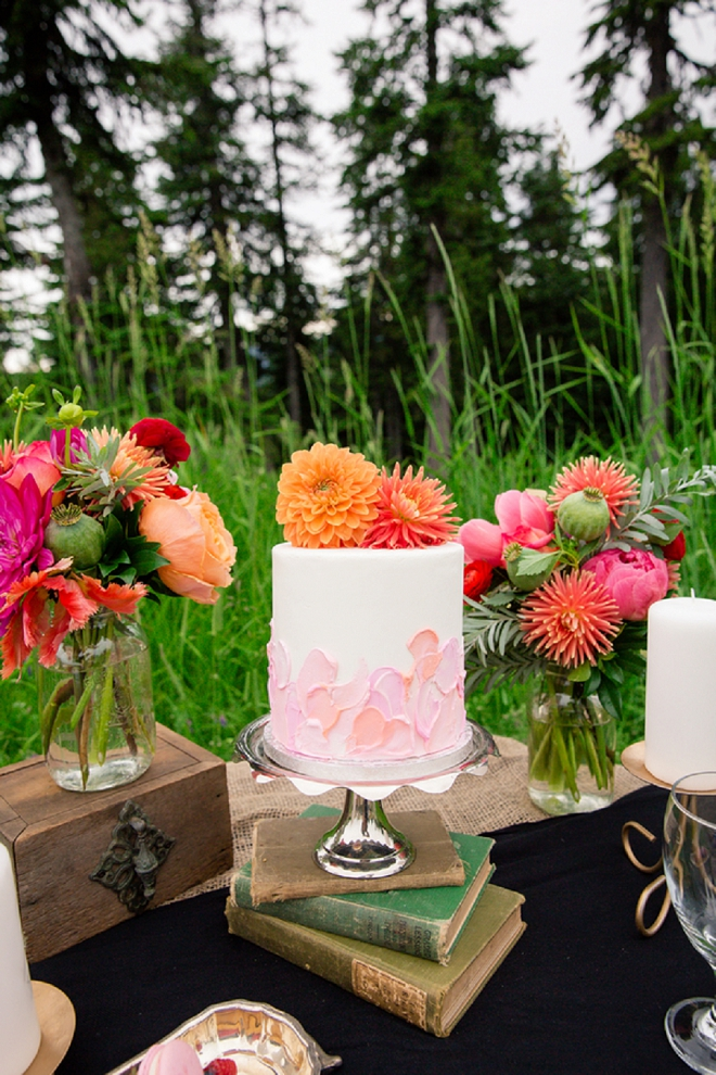 We're in love with this super sweet cake and florals at this styled mountain affair!