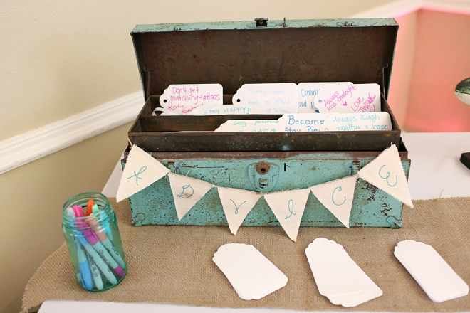 Such a darling and rustic way to collect cards on your big day!