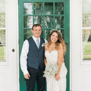 We're in LOVE with this stunning outdoor boho wedding and couple!
