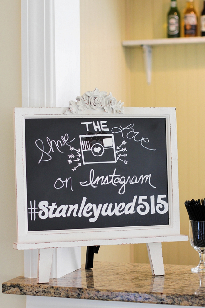 We love this couple's classic styled wedding and fun Instagram sign!