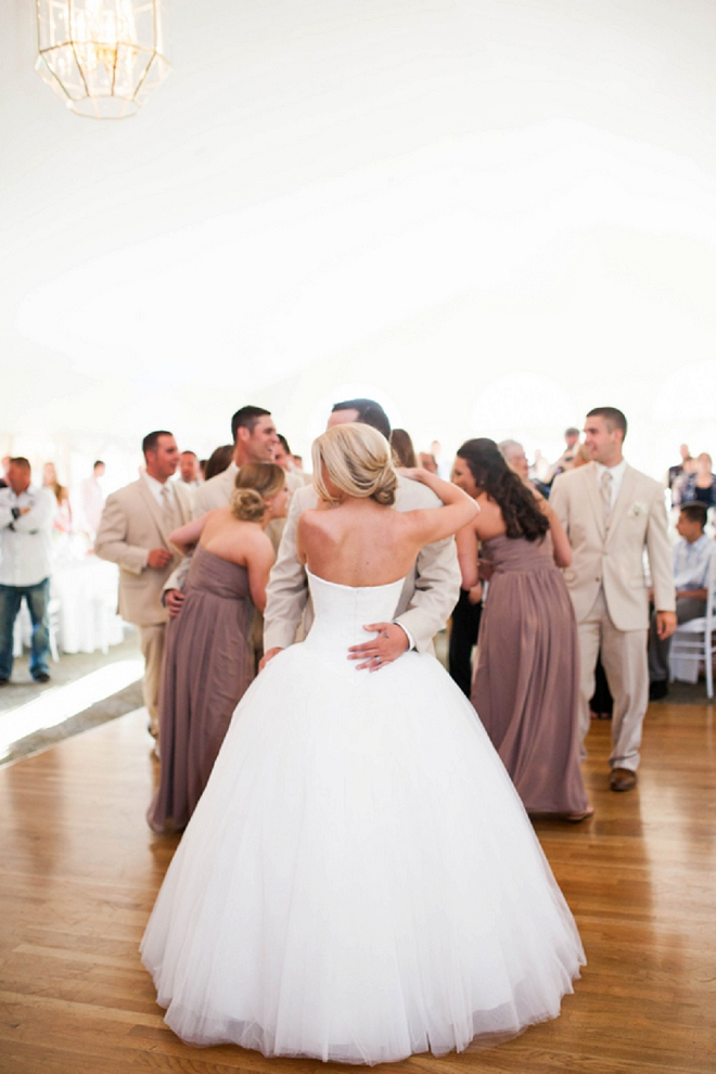 We're in love with this sweet couple and their darling first dance as Mr. and Mrs!