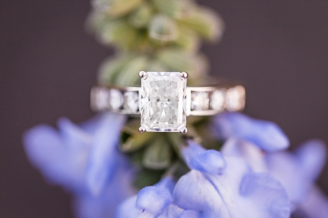 We love this stunning ring shot at this St. Louis engagement!