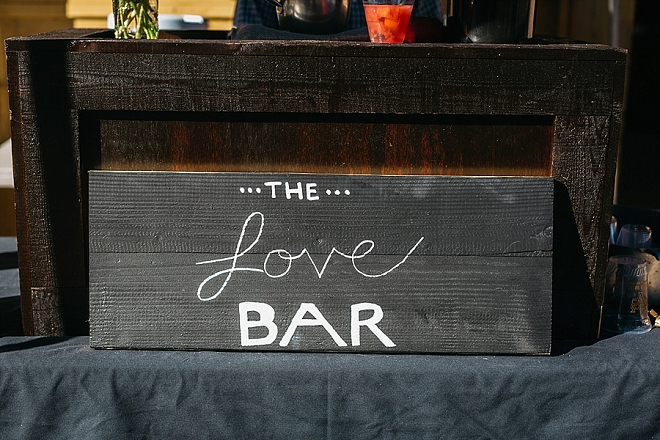 Check out the love bar this couple crafted!? Love!