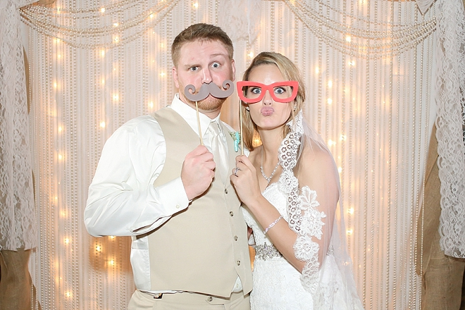 Check out this fun pearl photobooth backdrop the bride and groom crafted! LOVE it!