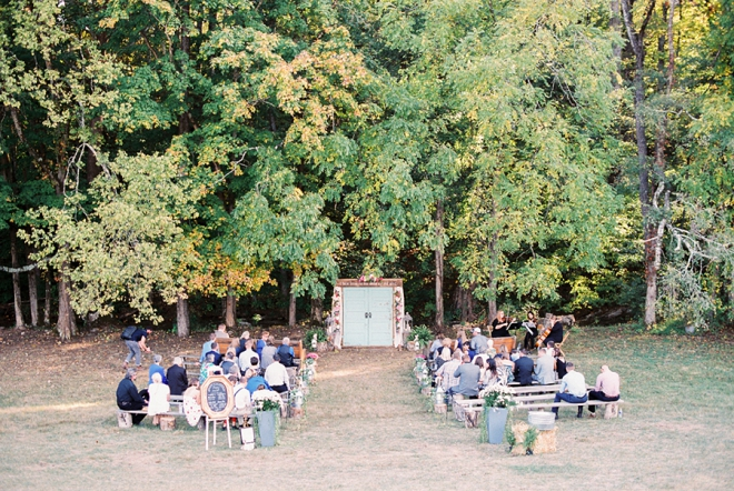 We love this stunning ceremony venue and arbor!!