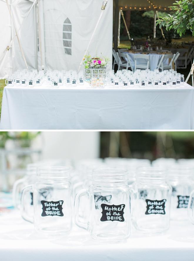 Super cute mason jars as wedding favors AND a seating chart!