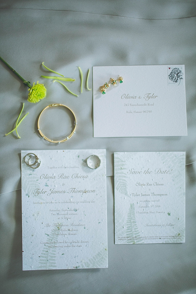 Check out this couple's green hemp paper wedding invites! So stunning!