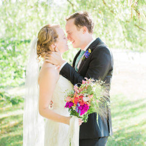 We're crushing on this super sweet couple and their gorgeous handmade day!