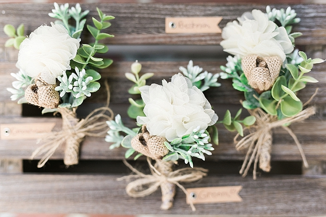 How amazing are these handmade boutonnieres by the Bride?! LOVE!