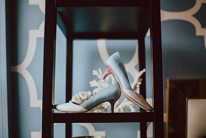 Loving this Bride's custom wedding shoes!