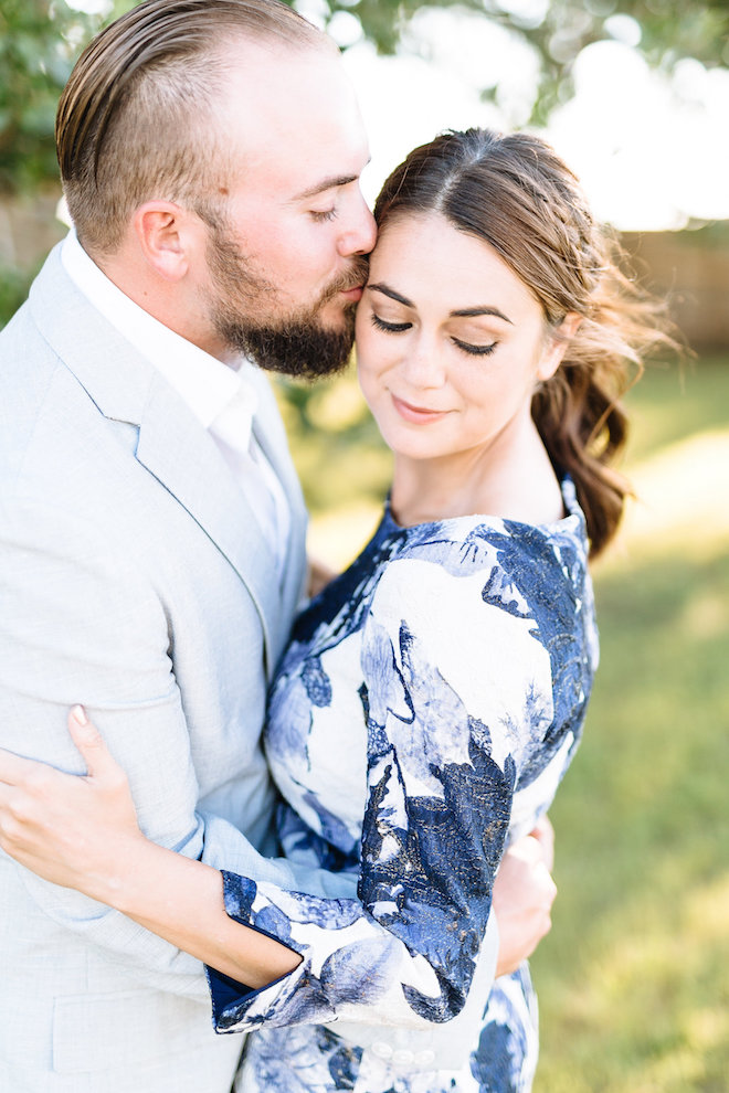 Swooning over this stunning engagement session and light!