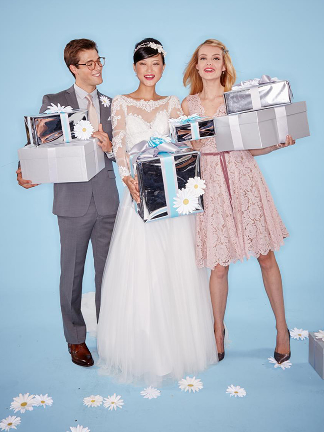 Learn about the Give a gift, Get a gift wedding registry offer with Macys!