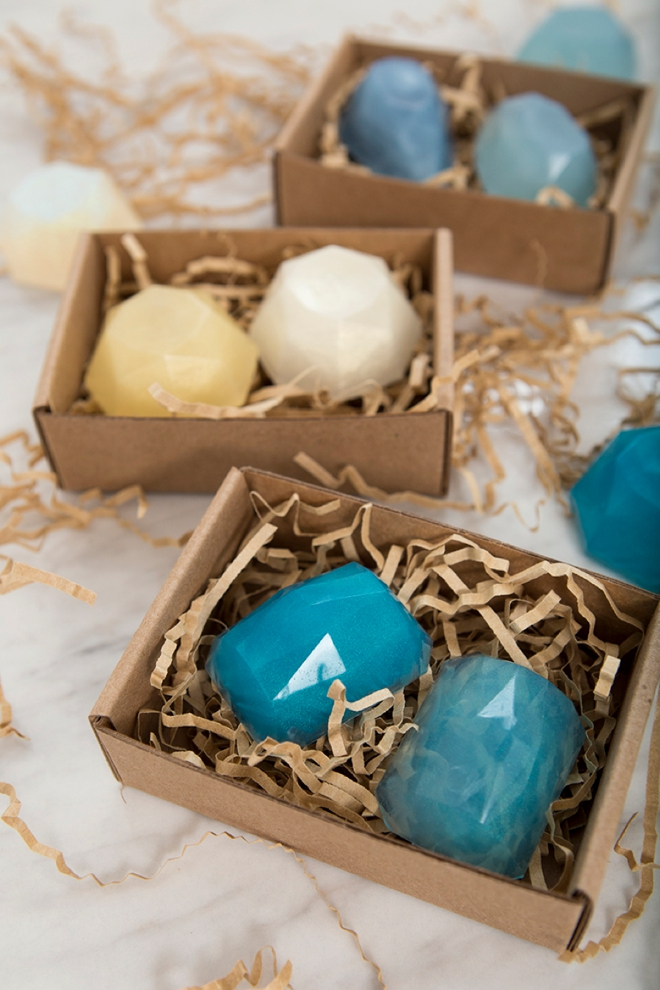 These DIY gemstone soap favors are super easy to make and totally gorgeous!