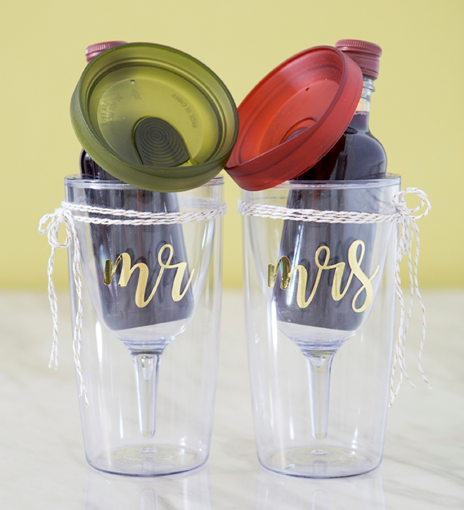 These DIY Mr and Mrs wine tumbler gifts are the cutest!!