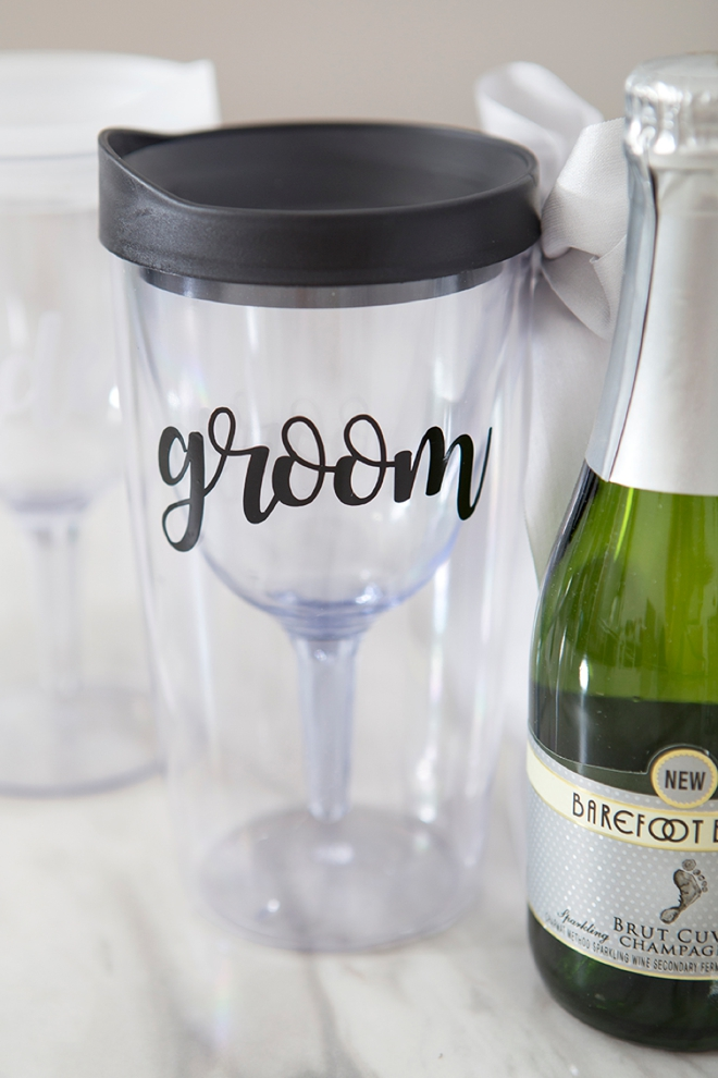 These DIY bride and groom wine tumblers are the cutest!!