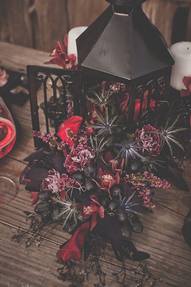 We love moody florals for fall.