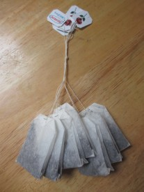 Tying the tea bags together (somethingwewhippedup.com)
