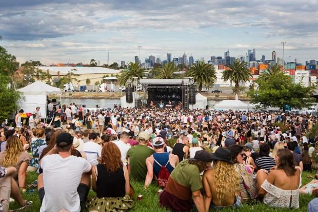 Melbourne_Laneway_Festival_2015_credit_Katie_Fairservice_142