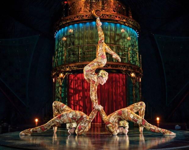 Cirque du Soleil_KOOZA_Contortion_Photos Matt Beard Costumes Marie-Chantale Vaillancourt 2012 Cirque du Soleil LR-001