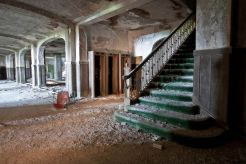 Buck-Hill-Inn-19-Grand-Staircase