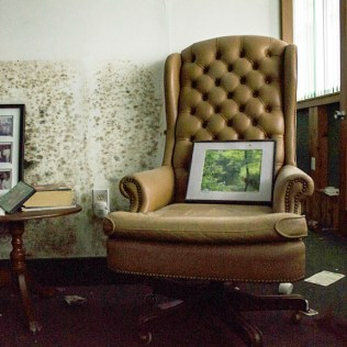 Glass-Bank-chair-photos-2014