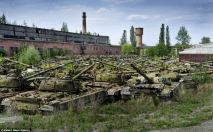 abandoned-tanks-ukraine-2
