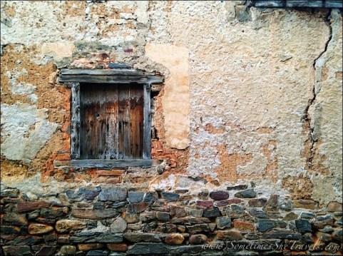 stone-2Bwall-2Bdoor
