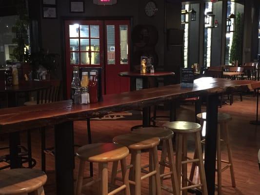 Crosstown Pub