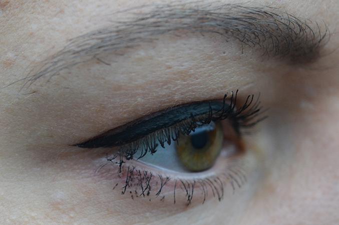 Essence_eyelmt